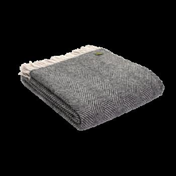 Capture-charcoal-herring-blanket